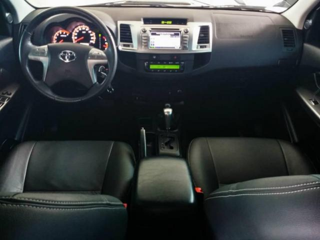 Toyota Hilux LIMITED CD 3.0 4X4 DIESEL AUTOMÁTICA - Foto 6