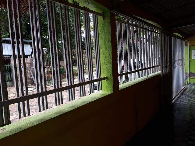 Rua 3 casa 3 quartos churrasqueira condomínio fechado com portaria e - Foto 3
