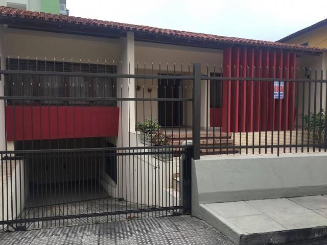 Casa - SANTA CECILIA - R$ 3.000,00