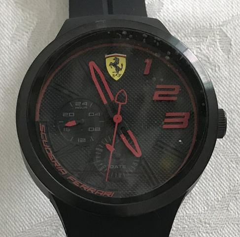 0566b9d6311 Relógio original novo Scuderia Ferrari - preto vermelho ...
