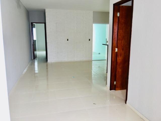 Documentação Inclusa: 2 quartos, 2 wcs, garagem, sala, coz americana, quintal, área serviç - Foto 4