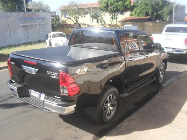 Toyota hillux srv 4x4 2.8 diesel automatica - Foto 4