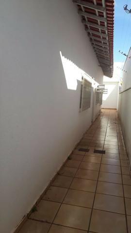 Casa Jd. Vilas Boas, 6 quartos, garagem para 8 carros e demais dependências - Foto 2