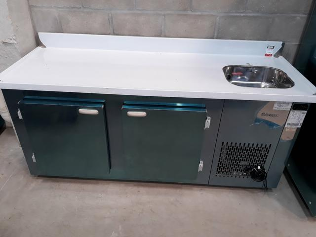 Balcão de encosto refrigerado com Cuba GBFG-190 Gelopar