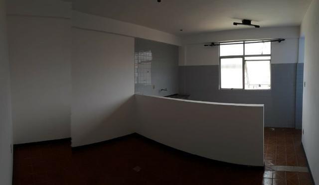 Alugo: Sala Estrada do Coco - Lauro de Freitas - Edf. Monsenhor Bicalho - Foto 5