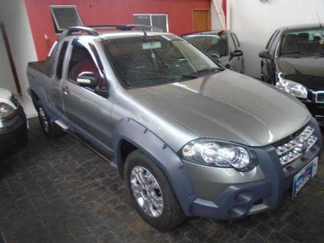 Fiat Strada Adventure Locker 1.8 Cinza