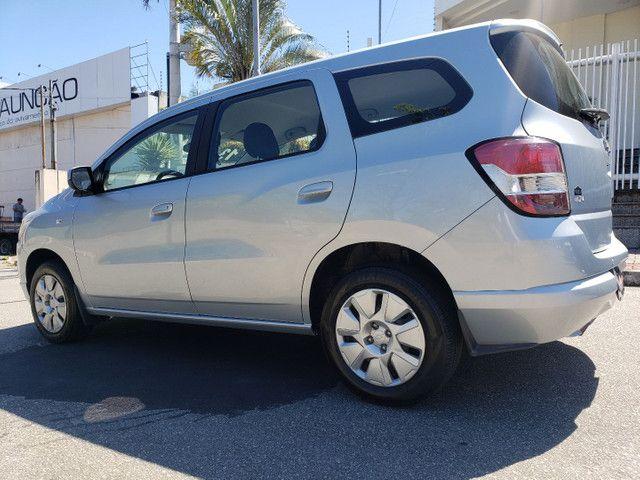 Chevrolet Spin 1.8 LT 5 Lugares vendo troco e financio R$  - Foto 9