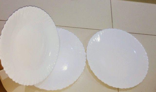 Pratos brancos - Foto 4