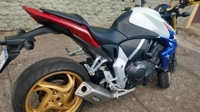 Honda CB 1000R 2013 apenas 21.712 km IPVA 2020 pago - Foto 5