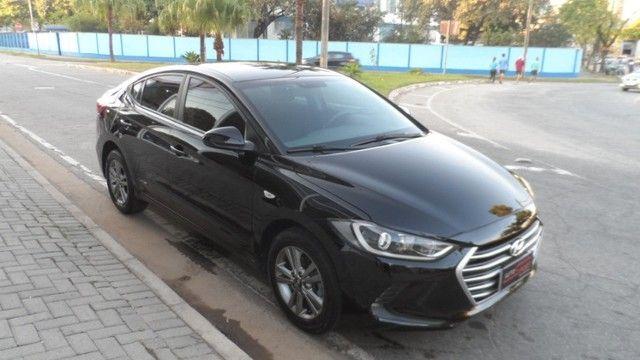 Hyundai Elantra 2017 Top 2.0 Flex Automático 2017 Completo