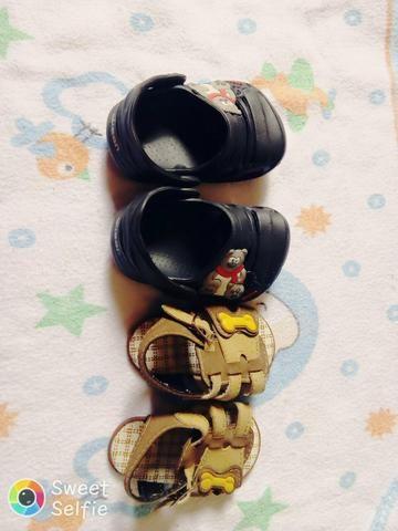 Crocs de menino