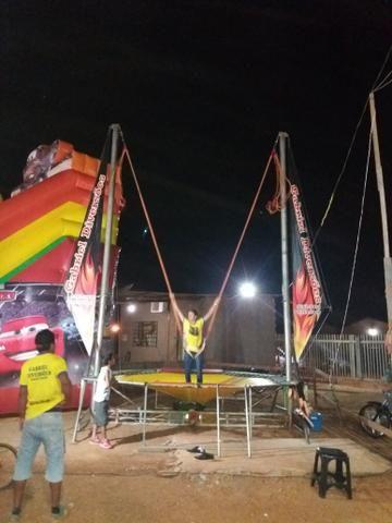 Vendo high jump trampolim