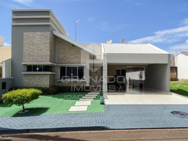 10499 I Casa em condomínio (03 quartos + 03 banheiros + piscina) I 220m²
