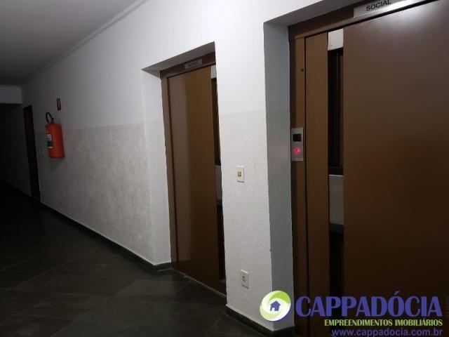 Lindo apartamento 1 quarto, com sacada, Rico em armários !!! Garagem coberta! - Armário em - Foto 14