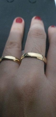 DECLARE SEU AMOR!!!LINDO PAR DE ALIANÇAS, excelente qualidade banhado a ouro 18k, novas <br> - Foto 2