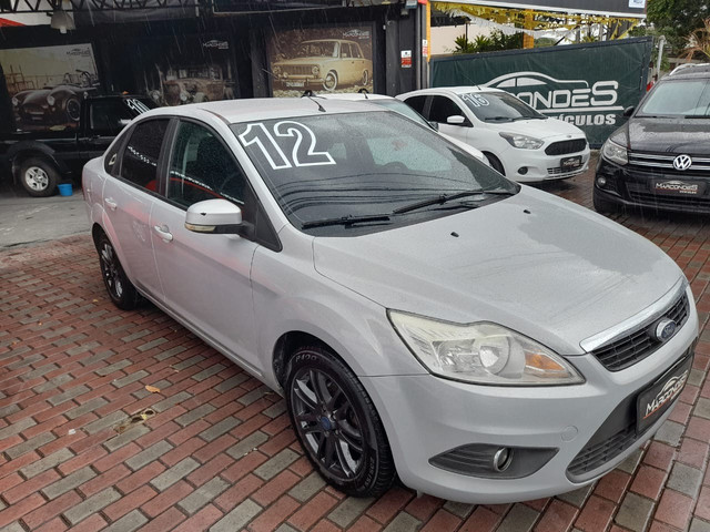 Ford focus sedan 2.0 manual Gnv  - Foto 2