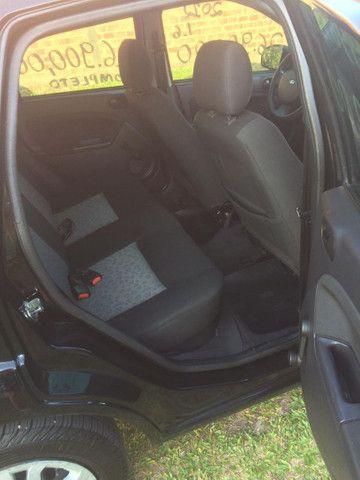 Fiesta sedan 1.6 baixo km - Foto 2