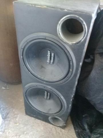 Caixa d som completa com 2 módulos um tá sem o fundo