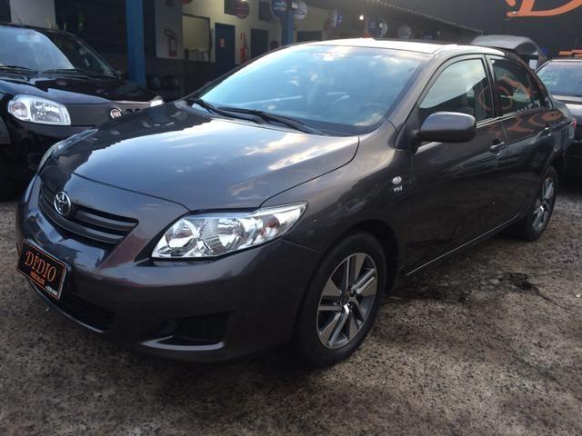 Toyota Corolla XLI 1.6 Automático (Financia!!!)