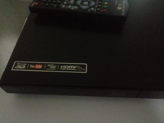 Vende DVD 3D LG Novo com 3 DVD