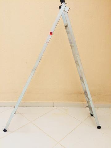 Escada de metalon de ferro
