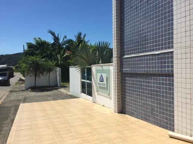 Hotel em funcionamento localizado de frente para rodovia á 80 m da praia de Ubatuba - Foto 9