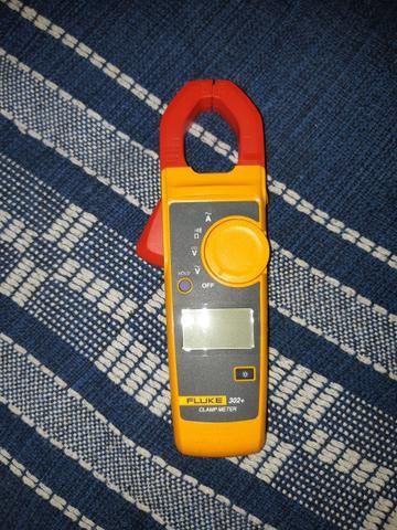 Vendo Alicate Amperimetro Fluke modelo 302 - Foto 4