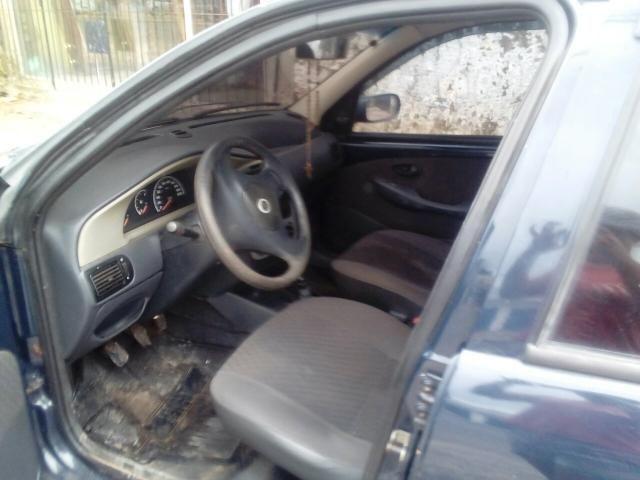 Vende-se carro palio 2005 completo celado e quitado sem multa - Foto 3