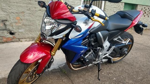 Honda CB 1000R 2013 apenas 21.712 km IPVA 2020 pago - Foto 4