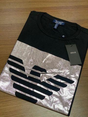 T-shirts Armani e Hilfiger