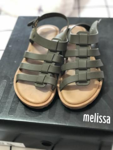 Melissa semi nova