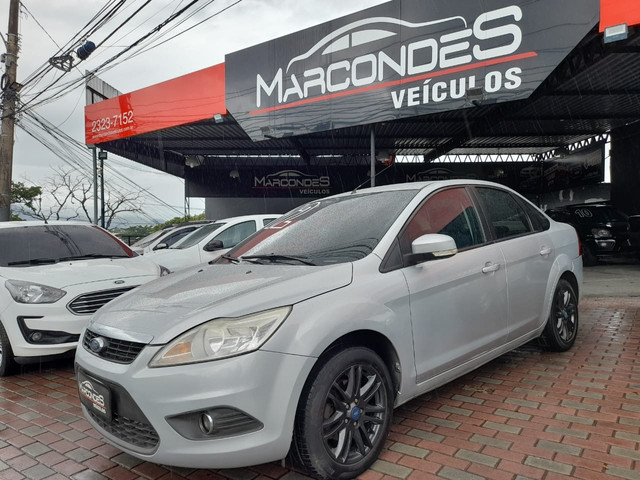 Ford focus sedan 2.0 manual Gnv