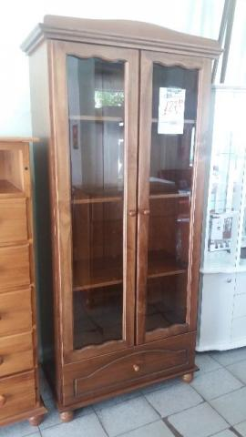 Cristaleira de madeira 12x106,00 com 2 portas