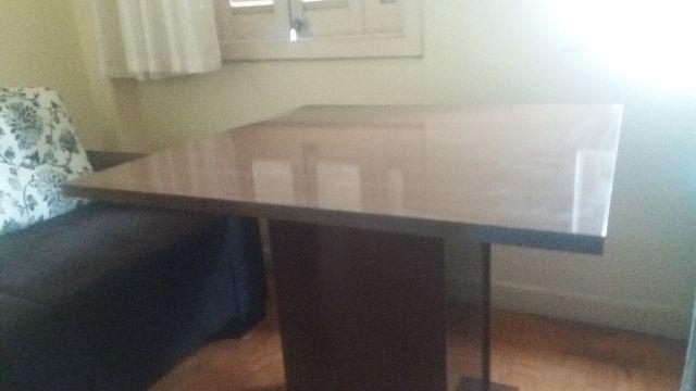 Mesa de madeira e mdf em ótimo estado