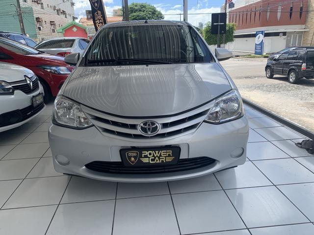 Toyota etios hatch único dono - Foto 3