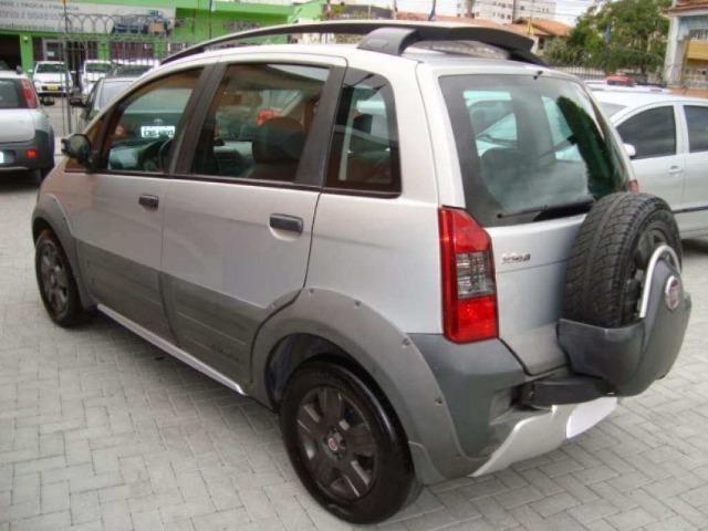 Fiat Idea 1.8 MPI Adventure Locker 4P 2010 - Foto 2