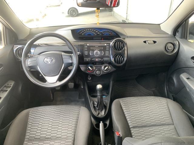 Toyota etios hatch único dono - Foto 8
