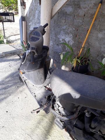 Moto para retirar peças
