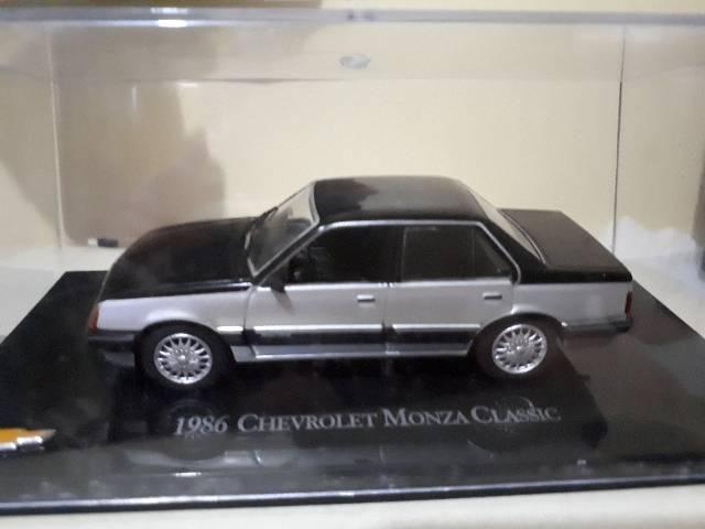 Miniatura GM Monza Classic Chevrolet Collecction
