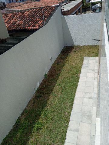 Apartamento térreo com área privativa 2 quartos