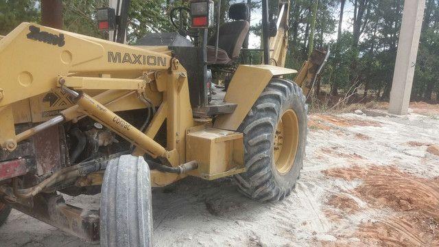 Retrô escavadeira maxiom 750  - Foto 6