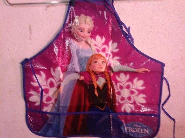 Avental Infantil Criança Disney Frozen Menina e Disney Pixar Carros Menino