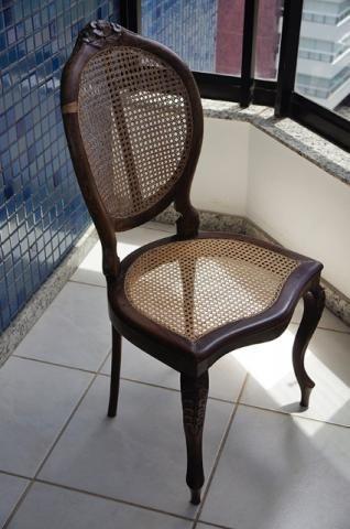 Cadeira de jantar modelo Medalhão em jacarandá Bahia