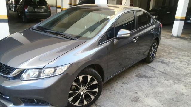 Honda Civic - Garantia de Fábrica - Nunca bateu - pneus novos