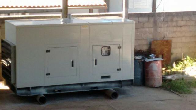 Gerador de Energia 180Kva Stemac (Silencioso) - 100% funcionando
