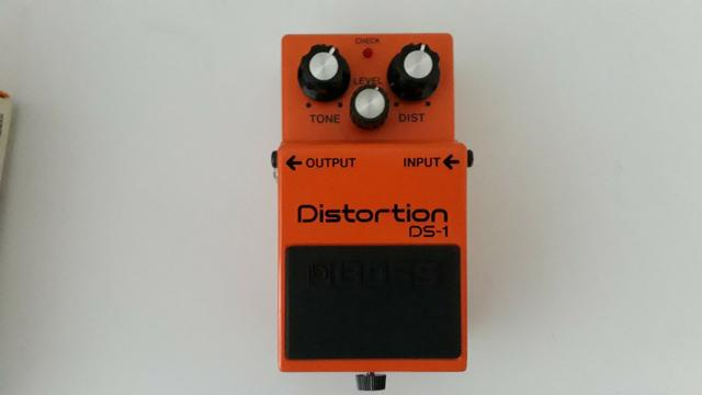 Pedal BOSS modelo Distorcion DS-1