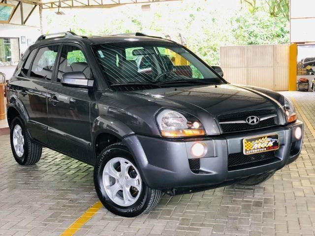 Hyundai Tucson 2.0 GLS Automática - Pneus novos
