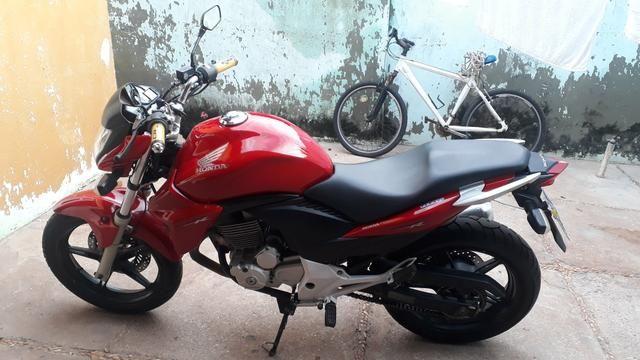 Honda CB 300 Vermelha 2013/2014