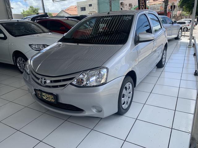 Toyota etios hatch único dono - Foto 7