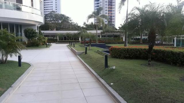 Cond Ilha Bela lindo apart 3 suítes mobiliado andar alto - Foto 16